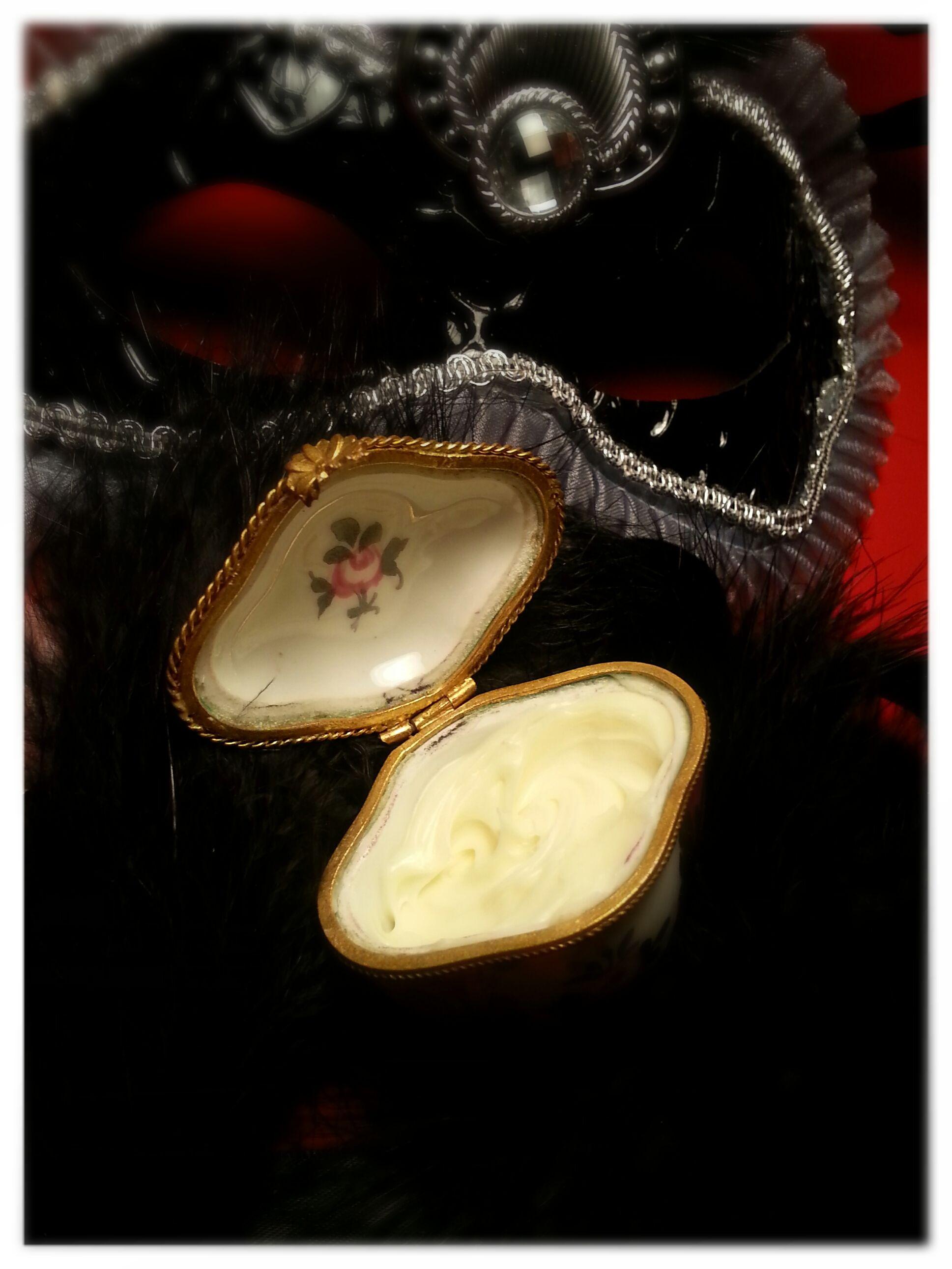 Beurre corporel comestible Oh Oui! | Beurre corporel, Cosmetiques maison et Beurre