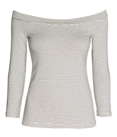 Fitted, off-the-shoulder top in cotton-blend jersey with linen content. 3/4-length sleeves.
