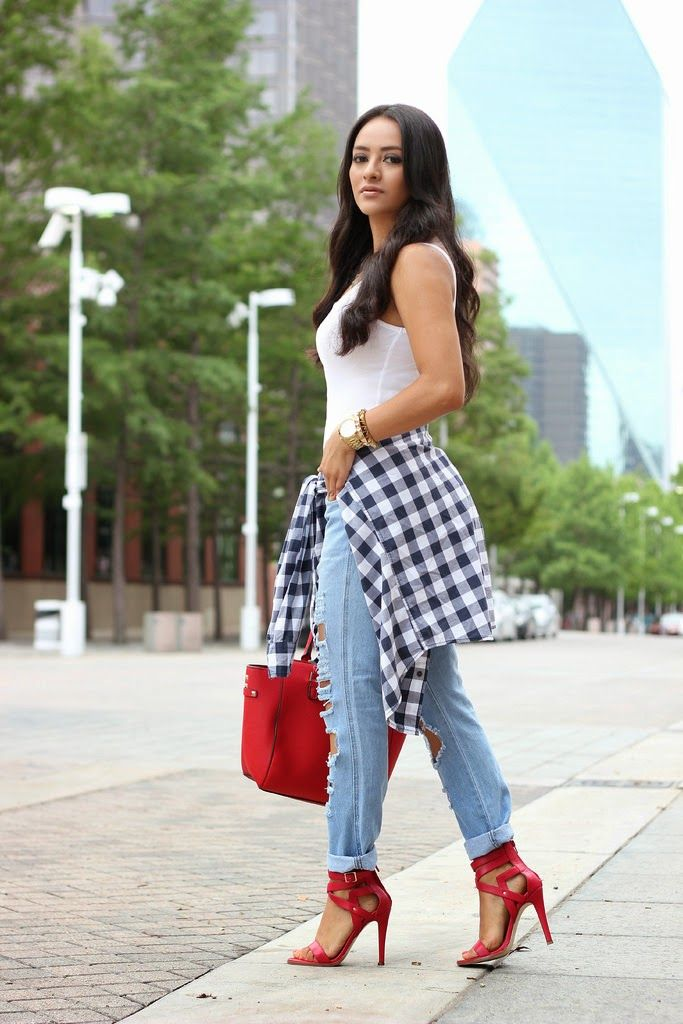 Outfit With Plaid Shirt Around Waist