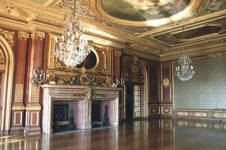 Ochre court newport ri designed by richard morris hunt using details from french gothic chateaux and churches to create a great hall ground