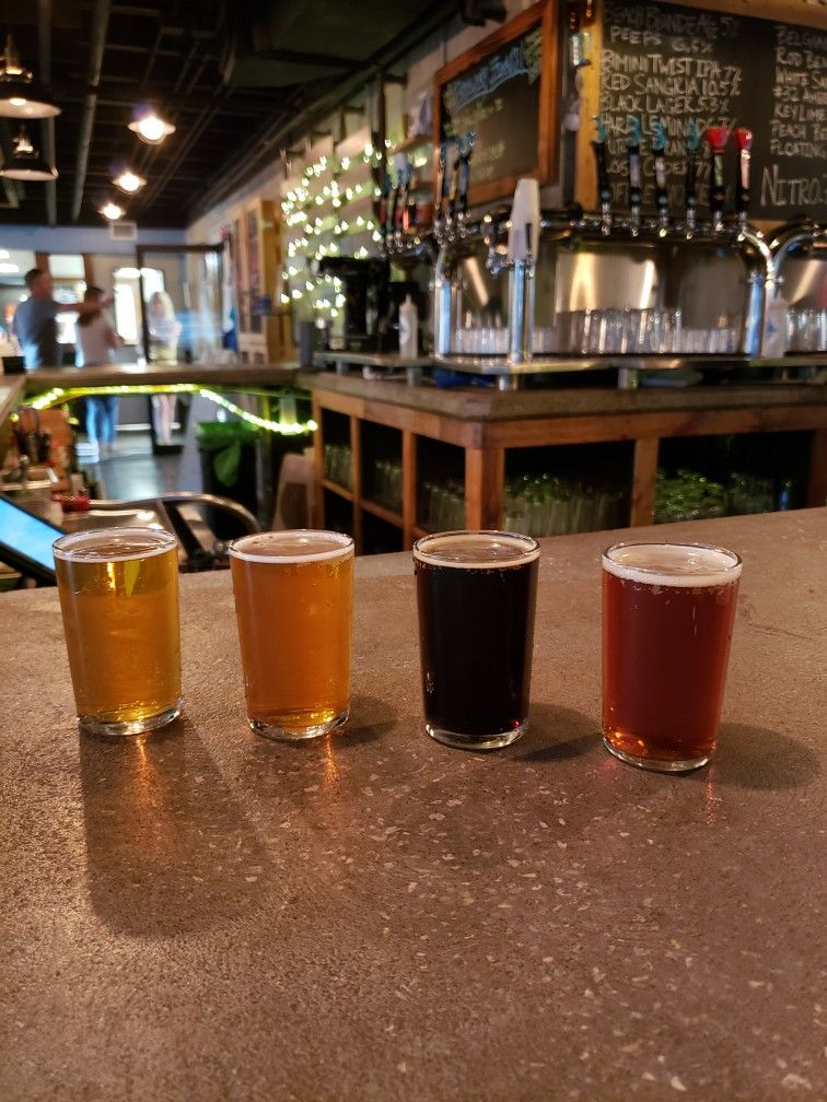 Tome to sample some brew at 3 Daughters Brewing, Saint