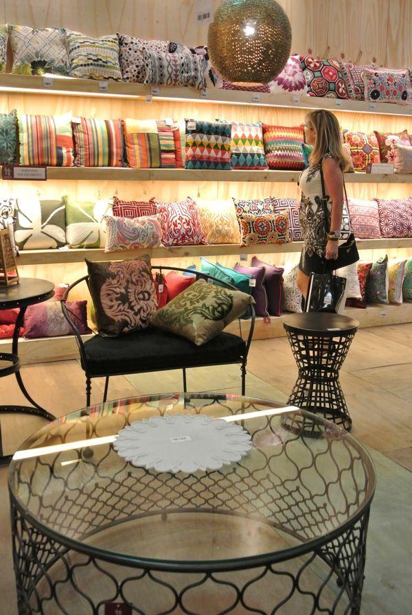 ABIMAD - Feira de móveis e decoração.  Eu, GigiGuzzo já fui conferir pessoalmente.