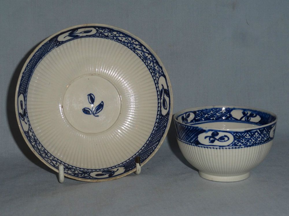 Pearlware tea-bowl & saucer (small sprig)....c1800 £24.50