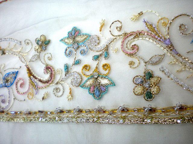 Paul Phillip Evans - Bridal Luneville embroidery   Flickr : partage de photos !