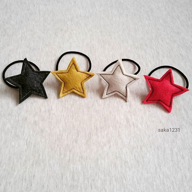 1a0a8d94217742 フェルトのぷっくり可愛い星形ヘアゴムо´∀`о #フェルト #星形 #星形 ...