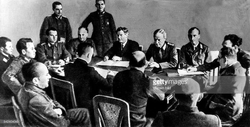 Miembros del Comite para la Liberación de Alemania. Muy pocos prisioneros alemanes se unieron a él **