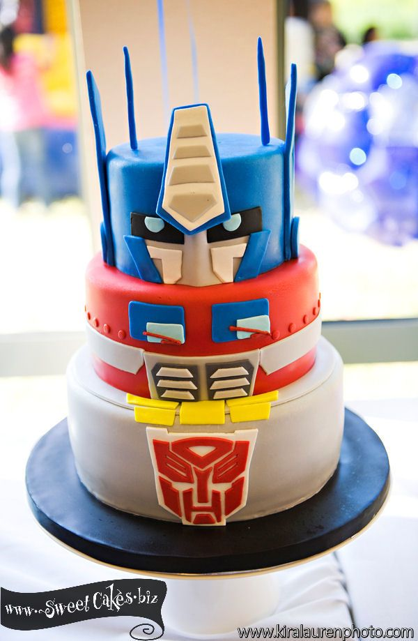 Pleasant Transformer Birthday Cake With Images Transformers Birthday Funny Birthday Cards Online Alyptdamsfinfo
