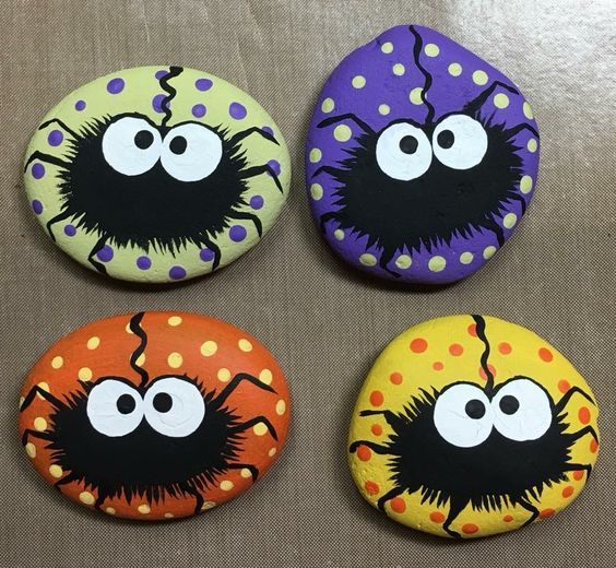Easy Halloween Crafts for Kids to Make - Rock Painting #bricolagehalloweenenfant