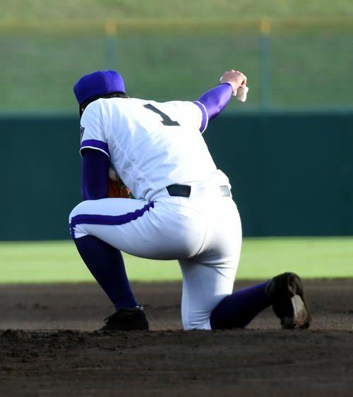 Photo of 金足農・吉田、高校最後の公式戦でシャキーン復活 – 高校野球 : 日刊スポーツ