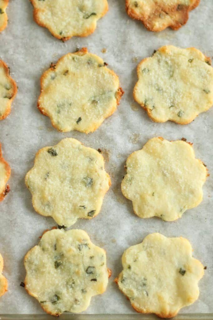 Keto Sour Cream And Chive Crackers Gf Keto Cracker Recipe Recipe Keto Recipes Easy Recipes Keto Diet Meal Plan