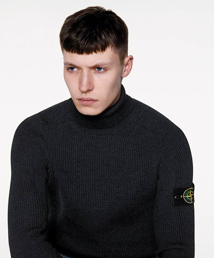 6515 Stone Island_ AW '016 '017_535C2_ Turtle neck in lightweight full ribbed wool. StoneIsland.com