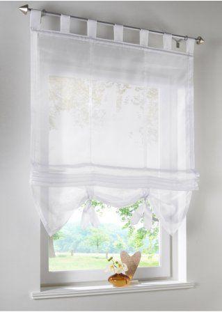 Verspielte Fensterdekoration Mit Leichtem Sichtschutz Weiss Schlaufen Badezimmer Fenster Ideen Vorhang Fenster Tull Vorhange