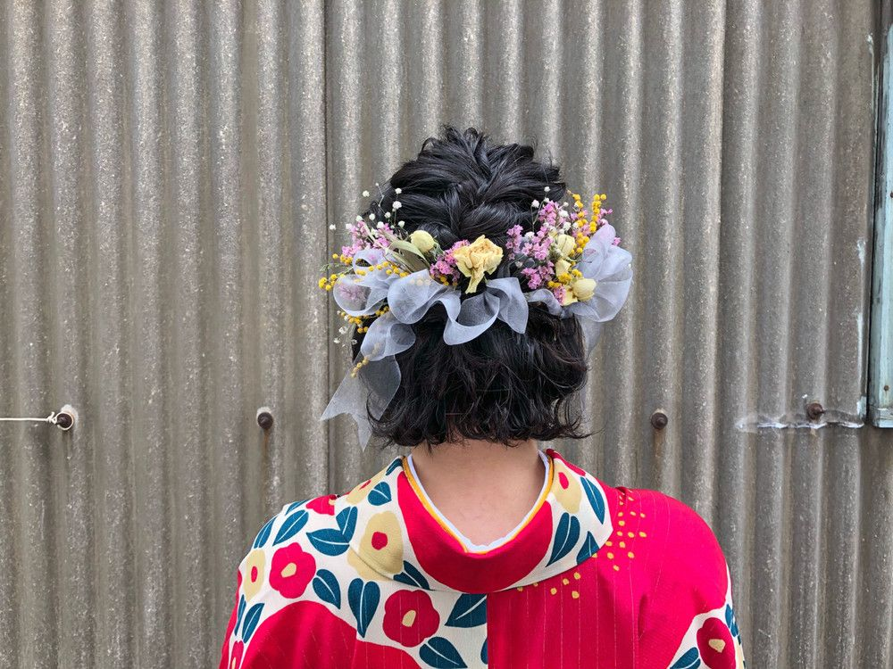 超簡単なヘアアレンジ100選 髪の長さ 髪型別に紹介 基本のやり方 動画 も Yotsuba よつば 2021 成人式 ヘアスタイル ショート 袴 卒業式 ヘアスタイル 袴 卒業式 ヘアスタイル ショート