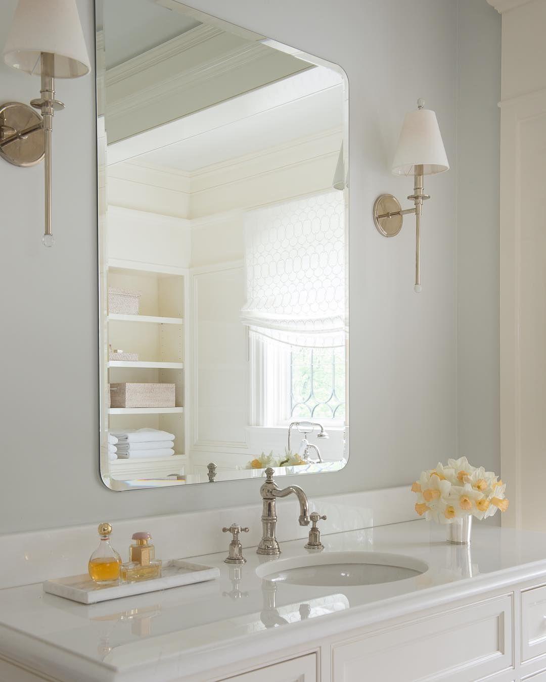Jane Beiles Photography + Douglas Graneto Design - White bathroom ...