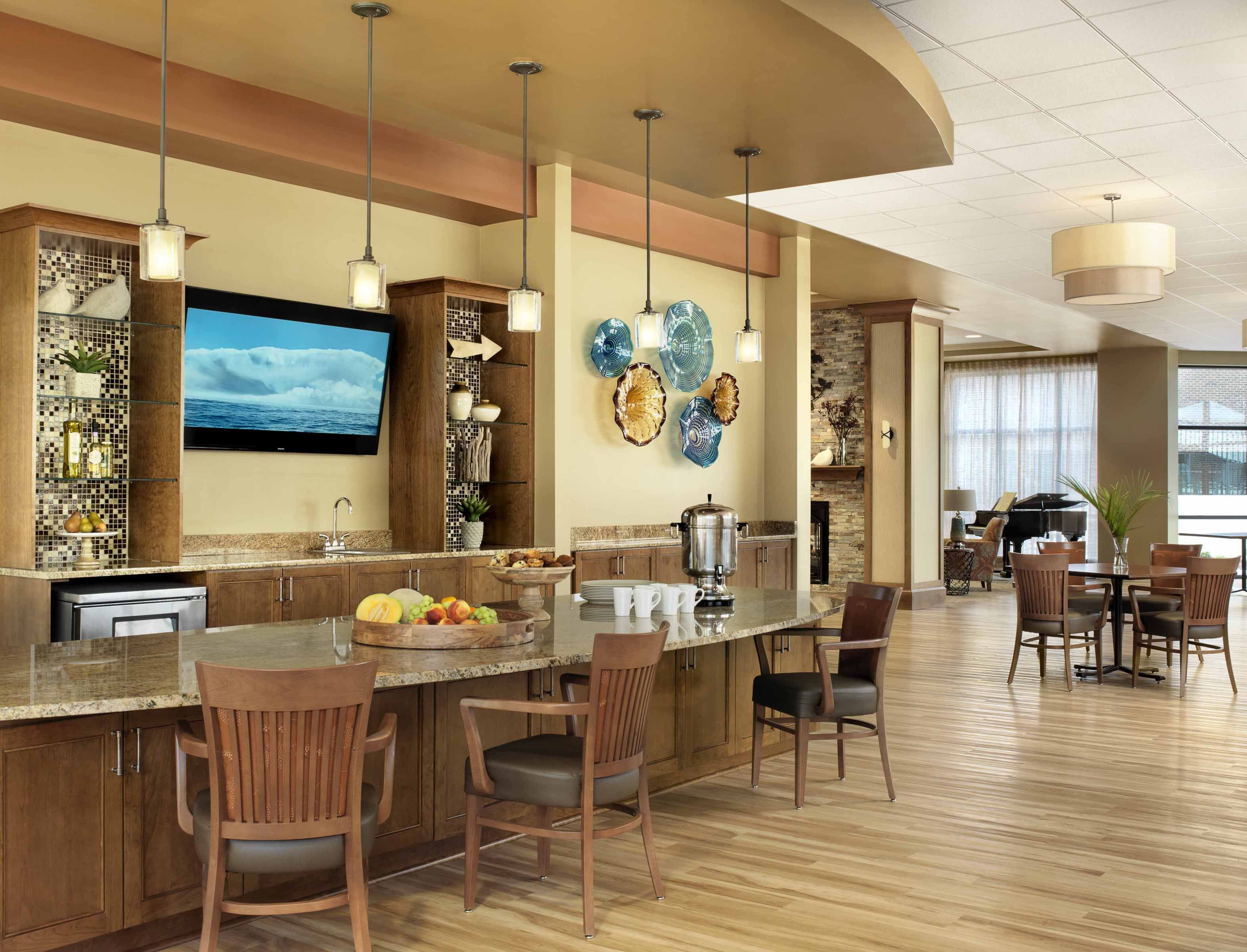 Senior Living Furniture Style Delectable Cypress Glen Cafe Glass Artwork  Senior Living Interior Design . Design Ideas