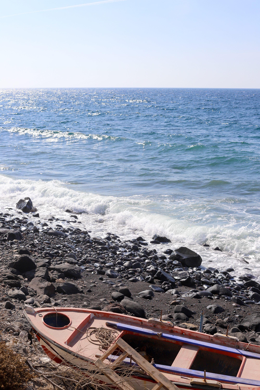 Santorini Road Trip Beach In Black Driving Ing A Car Akro Best Beaches