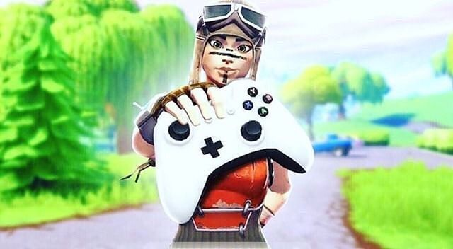 Free Fnbr Thumbnails S Media Renegade Raider Xbox Fortnite Fortnitebattleroyale In 2020 Best Gaming Wallpapers Gaming Wallpapers Xbox Controller