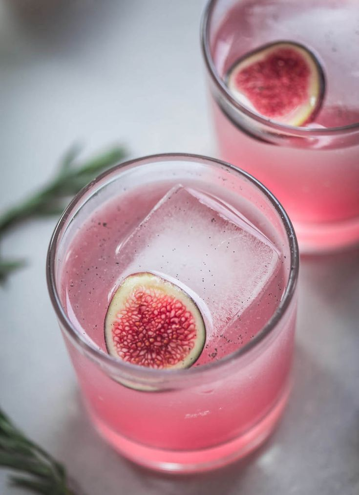 recipe: VANILLA BEAN & FIG COCKTAIL #cocktaildrinks