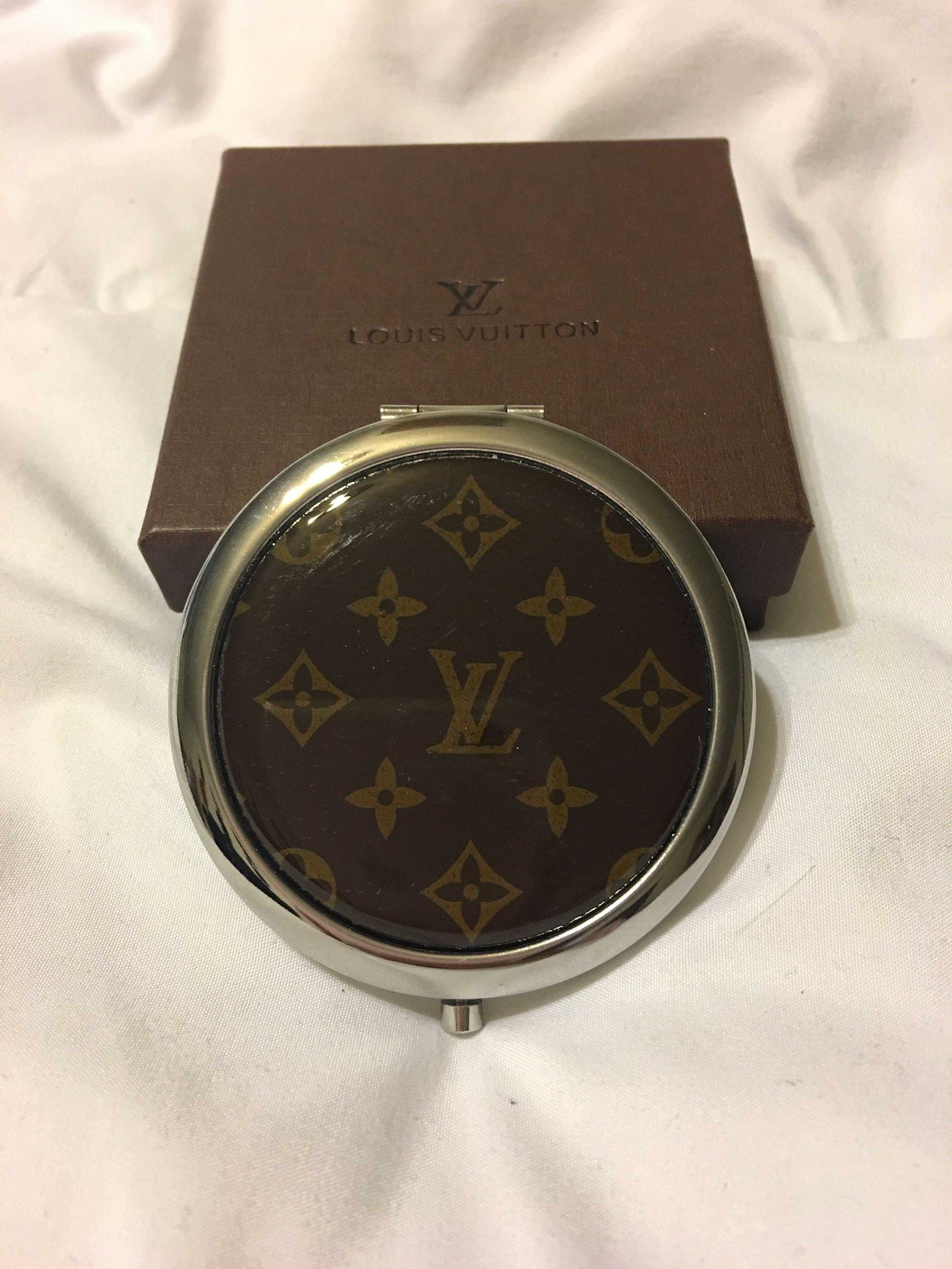08133ed57f99 LV Compact mirror