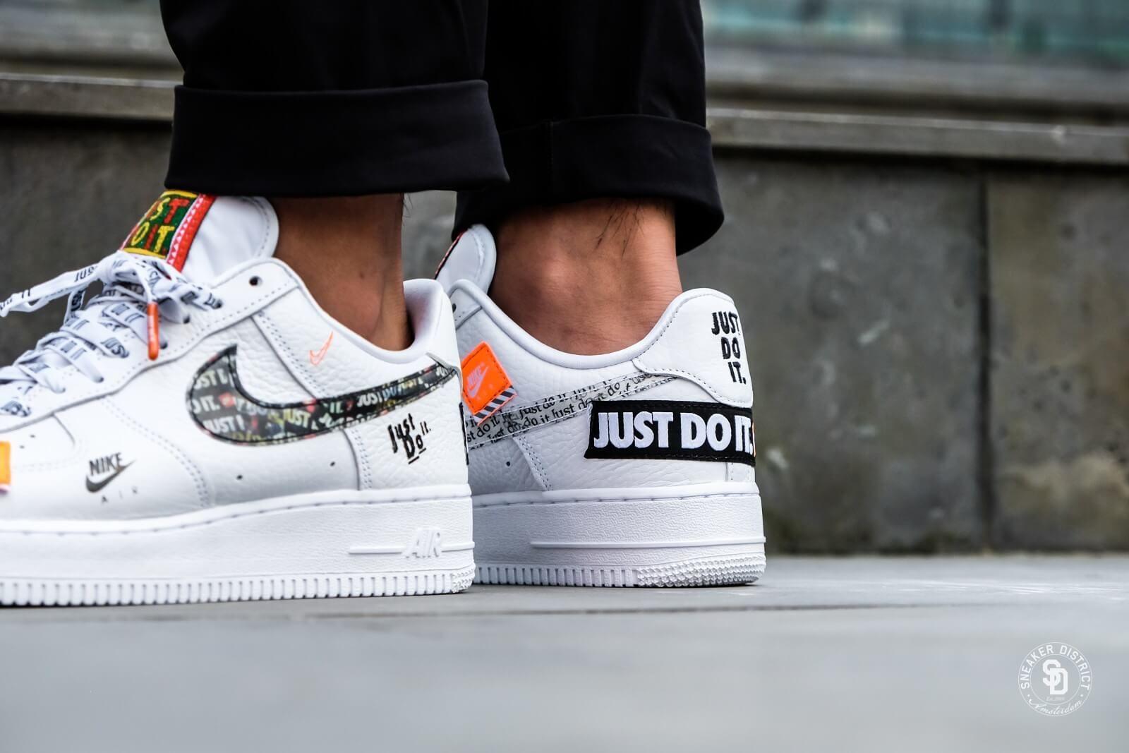 Nike Air Force 1 07 Just Do It White Black Total Orange Ar7719 100 Schoenen Nike Air Force Nike Sneakers