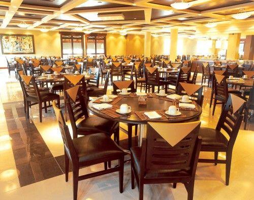 Mesas e cadeiras para restaurante 6 500x394 pre o de mesas for Mesas para restaurante