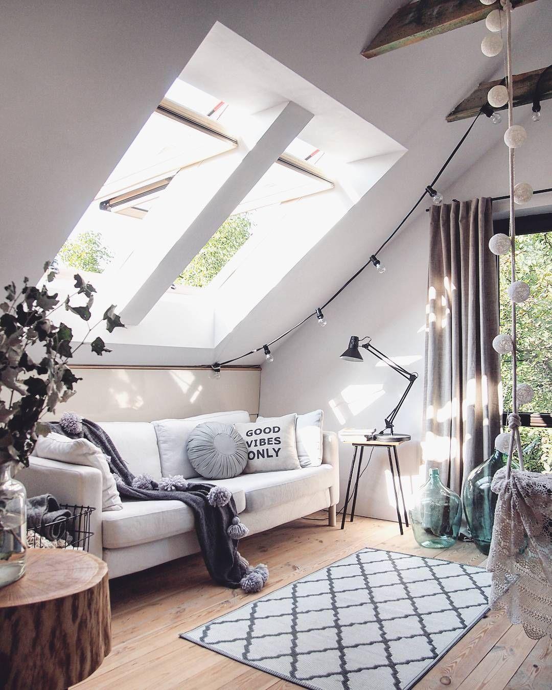 Idee per arredare il soggiorno in mansarda in modo elegante ed ...