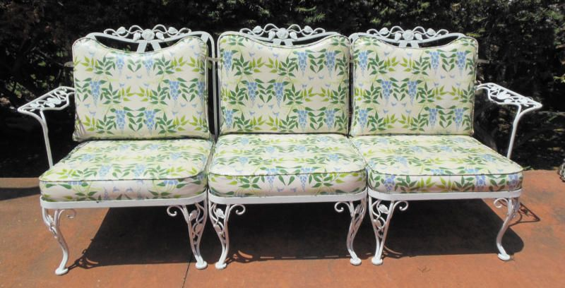 Sofa Woodard Vintage Chantilly Rose In 2019 Iron Patio Furniture