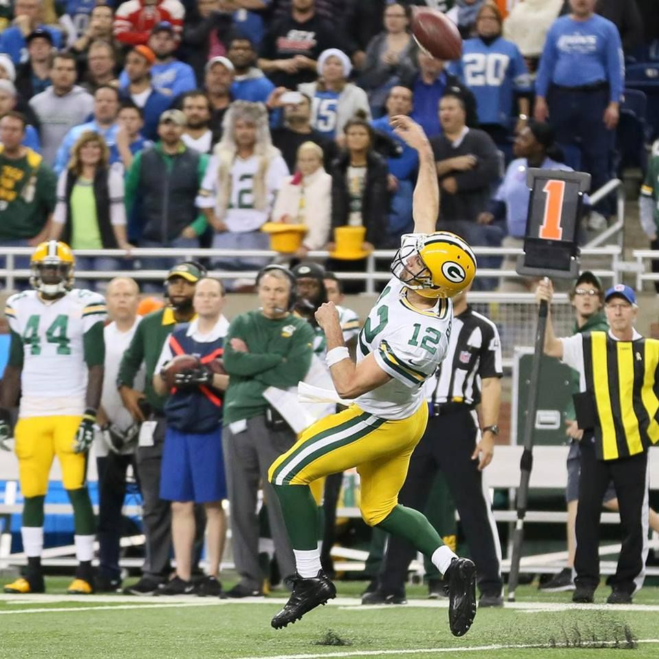 Throwing Hail Mary V Lions 12 3 2015 From Packers Com Green Bay Packers Aaron Rodgers Rodgers Green Bay Green Bay Packers