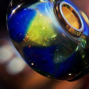Festeggiamo??? Beads Edizione Limitata 2015...una vera sfida GT! http://www.gioielleriagigante.it/prodotto/festeggiamo-beads-trollbeads-referenza-it61114/