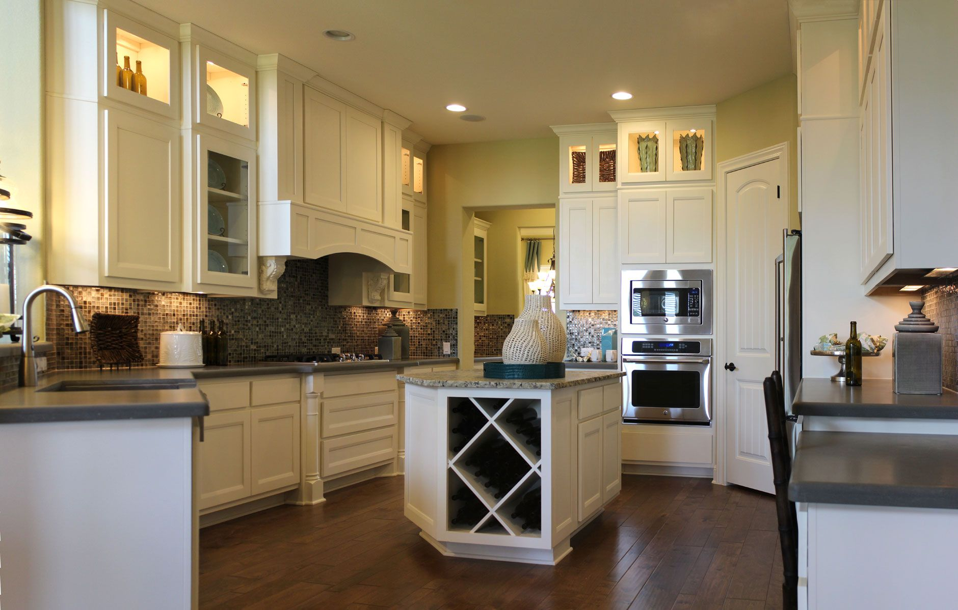 white kitchen with combination frame cabinet doors in paint grade