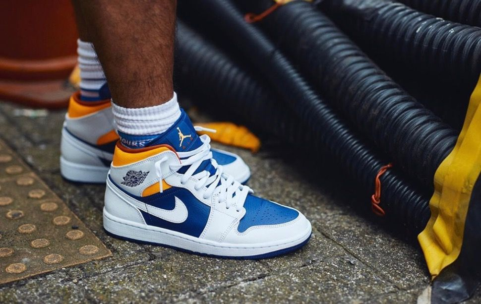NikeAir Jordan 1 Low & Mid Deep Royal Blue/Laser Orangeが ...