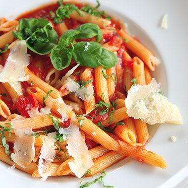 Ruck-Zuck-Nudeln mit Tomatensauce Rezept | Küchengötter