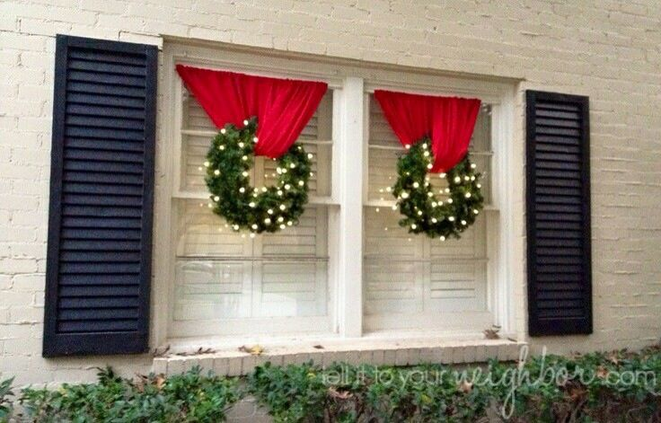 Cute Outside Window Decoration Using A Spring Shower Rod Outside Christmas Decorations Outdoor Christmas Decorations Christmas Lights