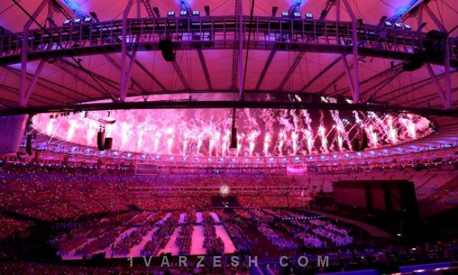 مشعل پارالمپیک ریو خاموش شد / سکوت یک دقیقهای به یاد گلبارنژاد  http://1vz.ir/157949  @1Varzesh  مراسم اختتامیه پانزدهمین دوره بازیهای پارالمپیک برزیل برگزار شد     مراسم اختتامیه پانزدهمین دوره بازی های پارالمپیک باحال و هوای دیگری برگزار شد و نه تنها پرچم ایران به رنگ عزا درآمد بلکه حاضرین در مراسم به دستور رئیس کمیته بین المللی پارالمپیک به احترام گلبارنژاد یک دقیقه سکوت کردند.   ابتدا پرچمداران وارد شدند و داود علی پوریان، کاپیتان تیم ملی والیبال نشسته کشورمان، پرچم ایرا..