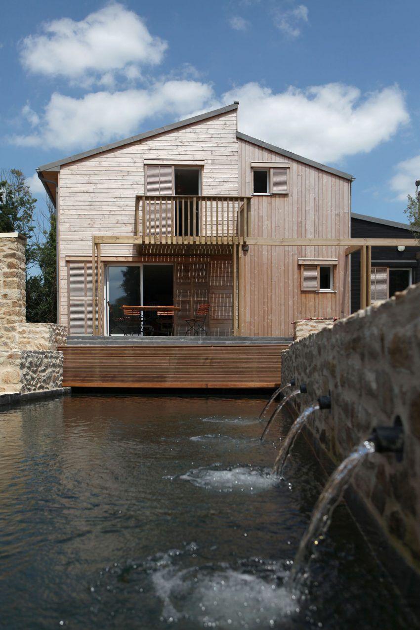 Superb Patrice Bideau Architecte Creates A Bioclimatic House In Port Of Saint  Goustan
