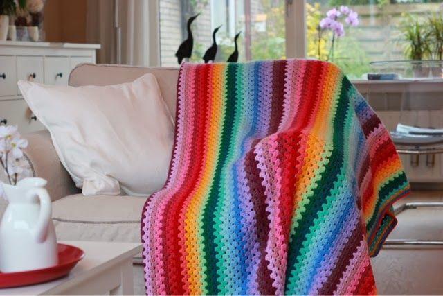 Mrs. Cuddles: Granny stripe blanket!