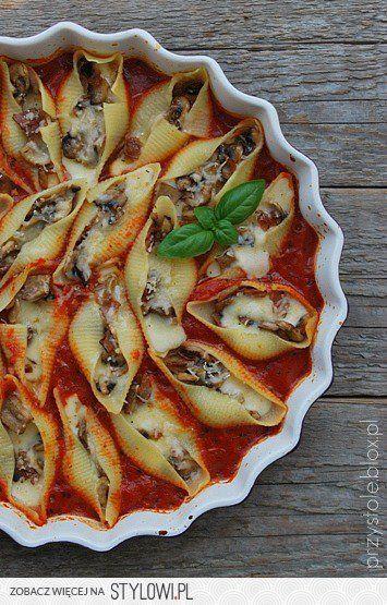 Makaronowe Muszle Z Pieczarkami W Pomidorowym Sosie S Na Stylowi Pl Food Recipies Culinary Recipes Workout Food
