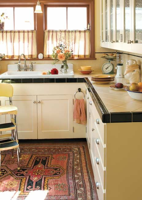 Today S Use Of Tile In Classic Kitchens Bungalow Kitchen