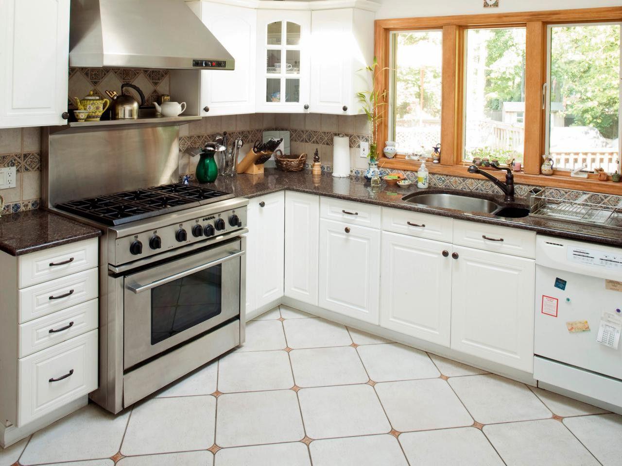 Attraktiv Hervorragende Küche Design Mit Weißen Schränke Auch Weiße Küchenschränke  Mit Granit #Badezimmer