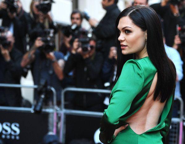 Jessie J impacta con un atrevido vestido verde - Yahoo Celebridades Mexico.    https://www.facebook.com/jdramon1