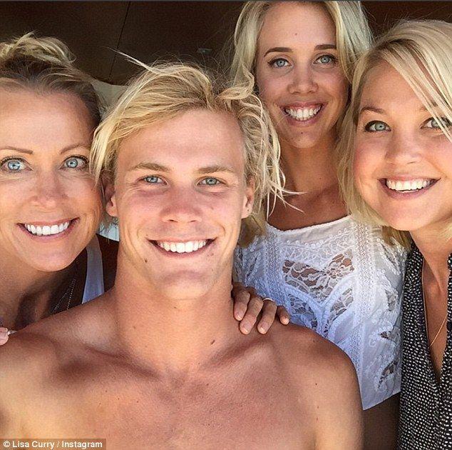 Lisa Curry And Beau Mark Tabone Confirm Engagement Lisa Boyfriend Couple Photos