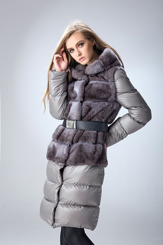 9962abd6db5 Модные женские зимние пуховики 2018 года. Осенние пуховики 2017 и 2018 для  девушек  новинки