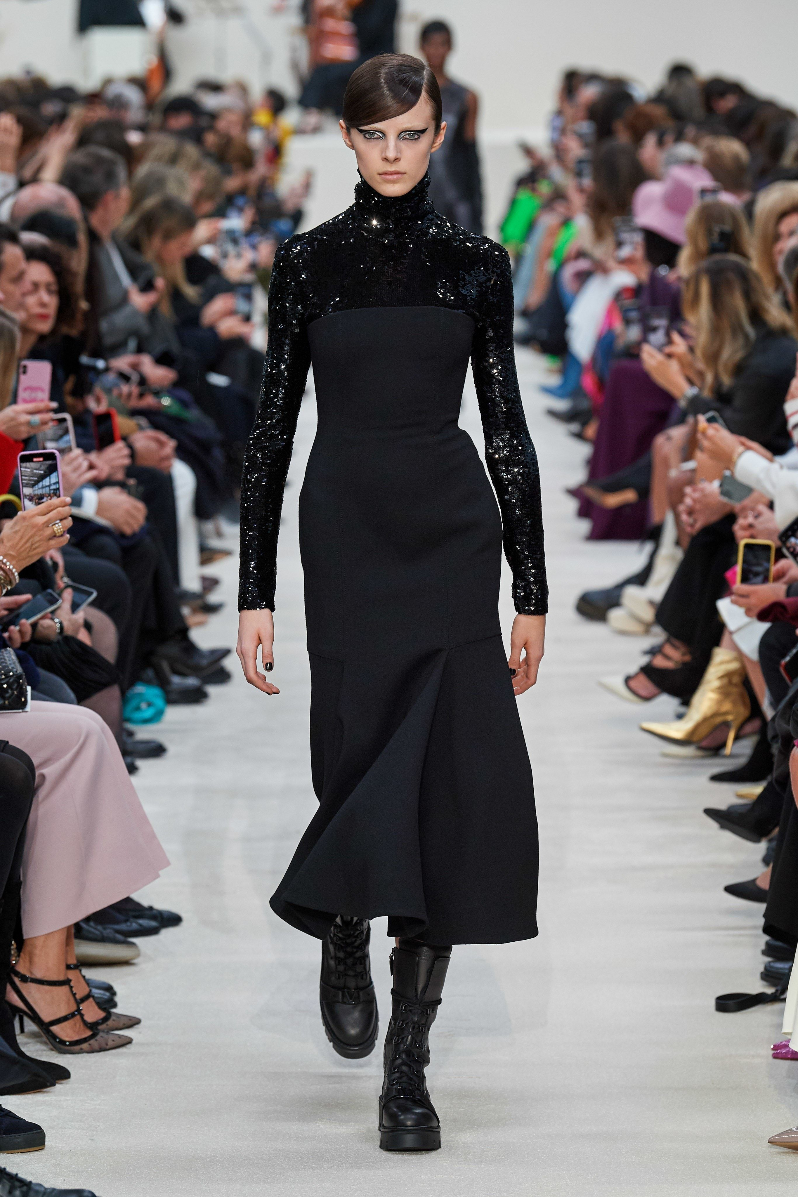 Paris Fashion Week Fw 2020 Valentino Black Minimalist Dress And Sequin Top Clothia In 2020 Fashion Paris Fashion Week Runway Fashion