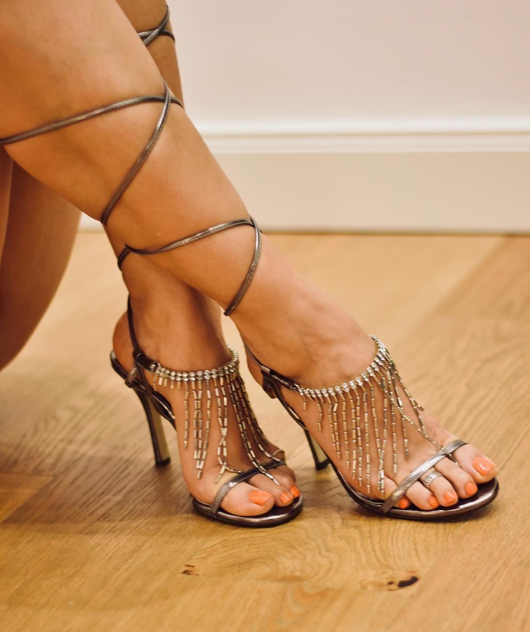 Sarah Hyland Flaunts Feet And Legs In Manning Cartell Mini Dress
