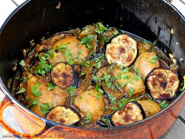 Chili und Ciabatta: Hähnchen-Tagine mit Auberginen und getrockneten Tomaten