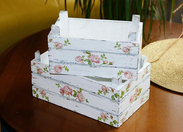 Shabby Chic Decorating Ideas On A Budget Cajas De Fruta Cajas Decoradas Caja De Fresas Decorada