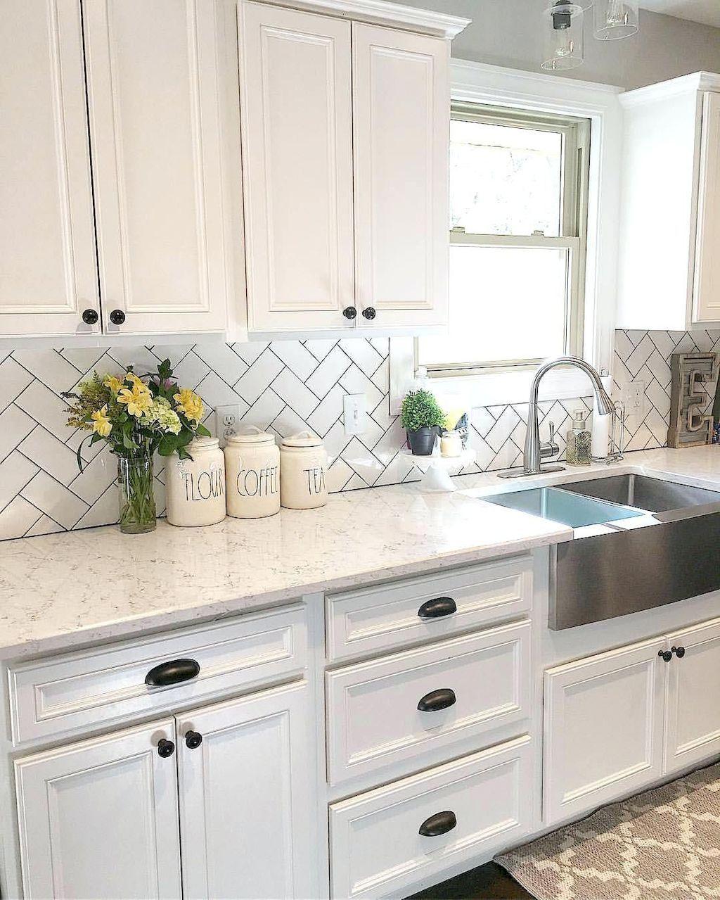 70 Modern Farmhouse Kitchen Cabinet Makeover Design Ideas Kitchen Cabinets Decor Kitchen Renovation Farmhouse Kitchen Cabinets