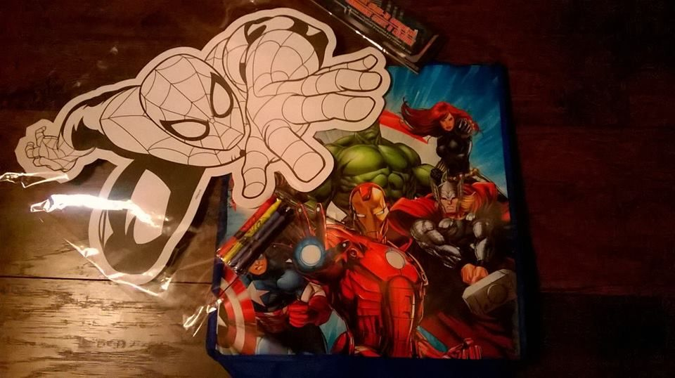 Free Giveaway: Superhero prize set (Spiderman coloring mat and reusable bag)   Enter Here: http://www.giveawaytab.com/mob.php?pageid=705564709476585