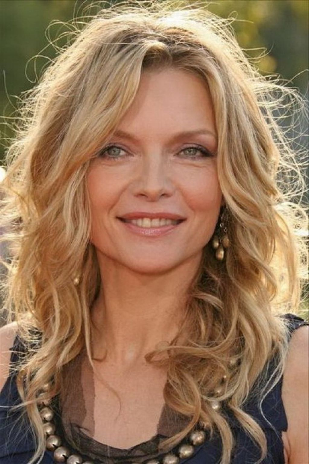 medium-haircut-with-layers-for-natural-wavy-hair-with-messy-style ...