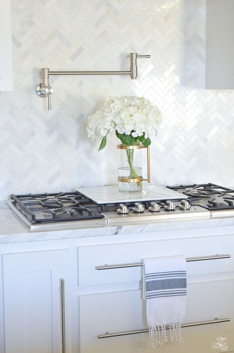 9 Simple Tips for Styling Your Kitchen Counters | Counter top ...